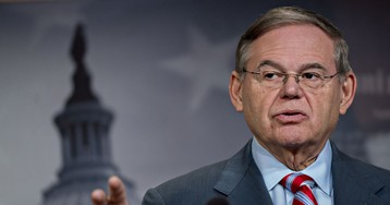 Menendez Warns Trump Against Overturning Hold on Saudi Arms Deal