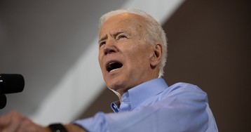 After promising to respect women's space, Biden has creepy interaction with young girl — and it's on video