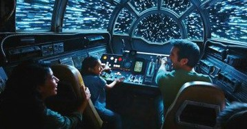Millennium Falcon: Smuggler's Run Review: What's It Like to Fly the Iconic 'Star Wars' Ship?