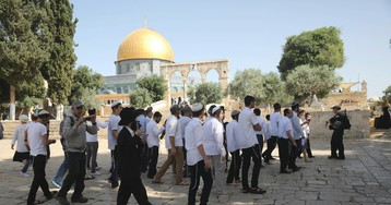 Clashes at Jerusalem holy site as Israel marks 1967 war win
