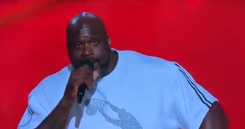 WATCH: Shaq Roasts Lonzo, LaVar Ball at NBA Awards