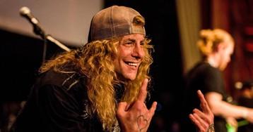 Hospitalizado el exbatería de Guns N' Roses, Steven Adler, por apuñalarse el estómago