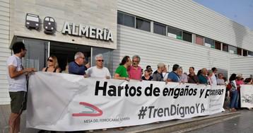 El tortuoso camino de los trenes de Almería
