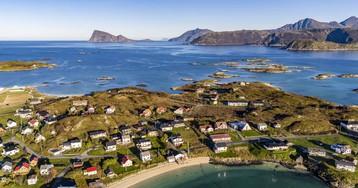 La falsa historia de la isla noruega que eliminó los horarios: un bulo estatal para promover el turismo