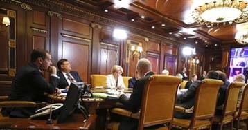 Дмитрий Азаров доложил премьер-министру о реализации нацпроектов