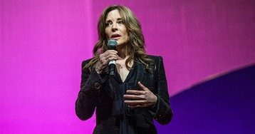 Marianne Williamson rescued a fellow candidate's dead campaign
