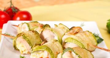 Аппетитные рулетики из кабачков с куриным филе