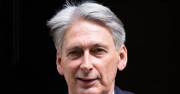 Hammond 'terrified' by Rees-Mogg claim of no-deal Brexit boost