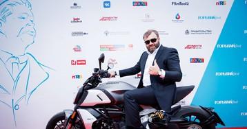 Михаил Пореченков приехал на ГОРЬКИЙ fest на мотоцикле