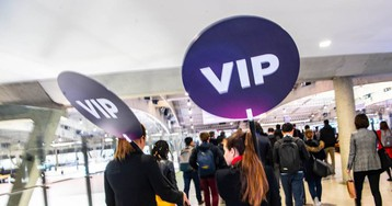Inspección de Trabajo multará con 53.000 euros a expositores del Mobile por prácticas sexistas