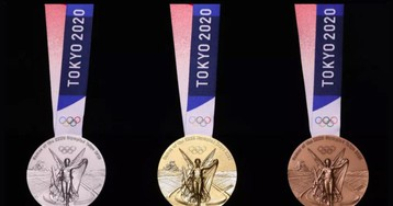 Организаторы Олимпиады-2020 показали медали из переработанных старых гаджетов