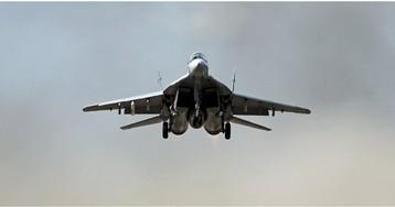 Миг-29 упал в Каспийском море, идут поиски пилота