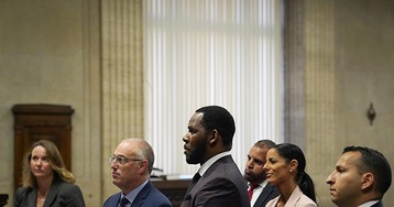 Feds Say More People Could be Charged in R. Kelly Case