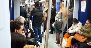 Metro clausura los andenes de la línea 10 en Tribunal tras encontrar amianto
