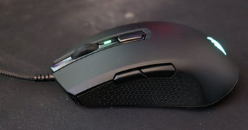 The Corsair M55 RGB Pro Ambidextrous is lightweight and fast, but too sensitive