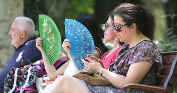 El calor eleva este lunes hasta 38 grados las temperaturas en 15 provincias
