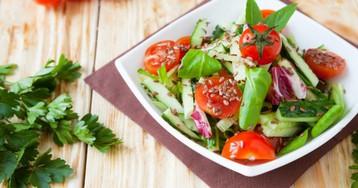 7 лучших салатов из огурцов на зиму