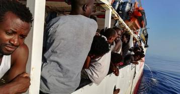 El 'Open Arms' pide a España, Alemania y Francia que desbloqueen su desembarco