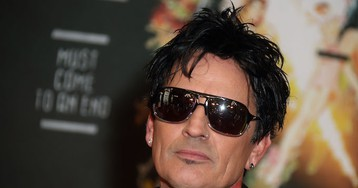 Tommy Lee Strikes a Nerve by Sharing Quote That Envisions a Post-Trump Future