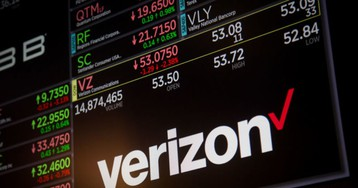 Verizon sues city to avoid paying 5G fees, says the FCC has its back