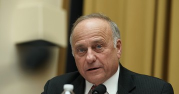 Steve King's 'appalling and bizarre' comments have his fellow Republicans worried, again
