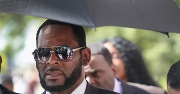 R. Kelly Asks Judge to Let Him Out of Solitary Confinement