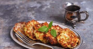 Аппетитные оладьи из кабачка с куриным фаршем