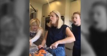 La broma viral de una madre que fingió cortarse un dedo ante sus hijos