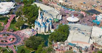 Hurricane Dorian threat prompts Disney World to close early