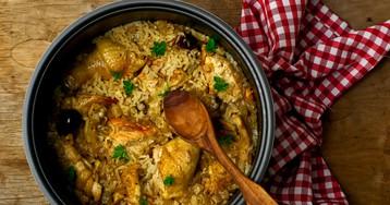 Тушеная курица с рисом