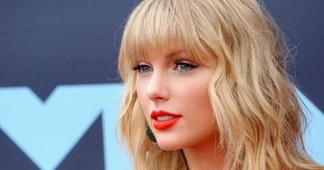 After Breaking Into Taylor Swift's Home, a Man Took Off His Shoes 'to Be Polite'