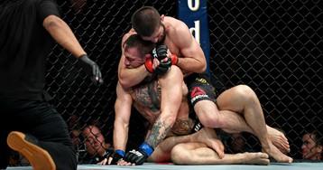 Бой Хабиба Нурмагомедова с Тони Фергюсоном: что ждет суперзвезду UFC?