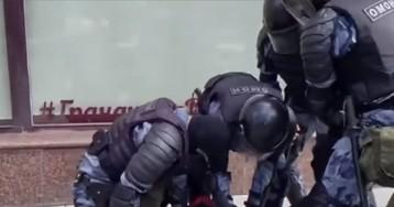 Клип Тимати иГуфа удалили, ноунас есть его версия смосковскими протестами