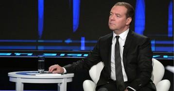 Виновата заграница. Что не так в новом интервью Медведева об экономике