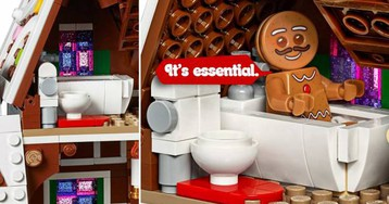 LEGO Creator Expert Gingerbread House has another toilet