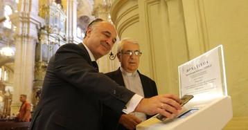 Innovación en la iglesia: la catedral de Málaga ya tiene dos 'cepillos digitales'