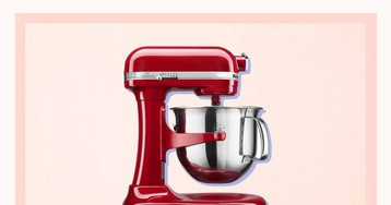 PSA: KitchenAid Stand Mixers Are Over 40% Off on Amazon—but Today Only