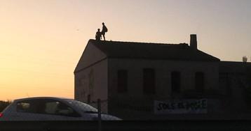 La Guardia Civil detiene a cuatro personas en el desalojo de una alquería en la huerta de Valencia para ampliar una autovía