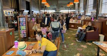 Los Ángeles descubre a la generación bilingüe que quiere leer en español