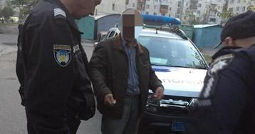 Требовал дать нужный товар: в Лисичанске мужчина угрожал пистолетом продавцам магазина