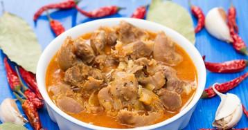 Куриные желудки в сметанно-томатном соусе