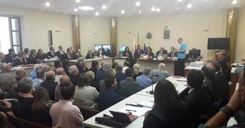Un viraje de la Fiscalía baja de 45 a 6 los acusados en un escándalo urbanístico en Castro Urdiales