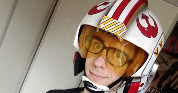 I Wore Hasbro's Ridiculous New Star Wars Replica Helmet for a Day, and All I Got Was Some Neck Ache