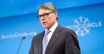 Rick Perry tells President Trump he's out as energy secretary amid increasing attention from Ukraine controversy