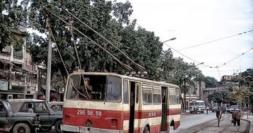 «Троллейбой» контролирует движение штанг троллейбуса по проводам контактной сети, 1989 год, Ханой