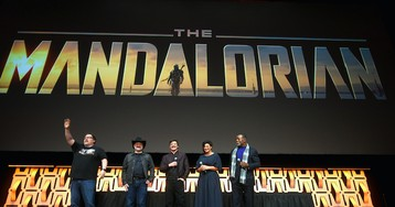 Early Reactions Suggest That 'The Mandalorian' Is Really, Really Good