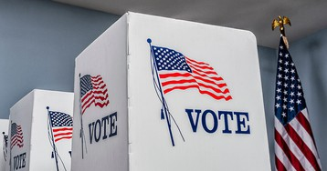 Florida judge temporarily blocks law limiting ex-convicts' right to vote in state