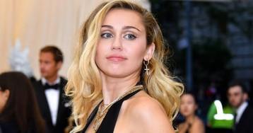 """Miley Cyrus explica comentário na web sobre """"você não precisa ser gay"""""""