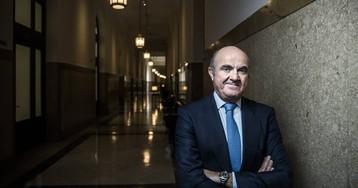 """Luis de Guindos: """"A veces hay más política en un banco central que en los Gobiernos"""""""