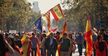 Última hora de Cataluña | La marcha del constitucionalismo en Barcelona reúne a 80.000 personas, según la Guardia Urbana, y 400.000, según la organización
